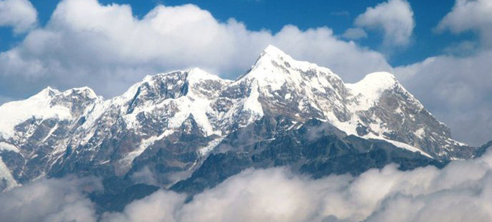 everest_panorama1-830x400